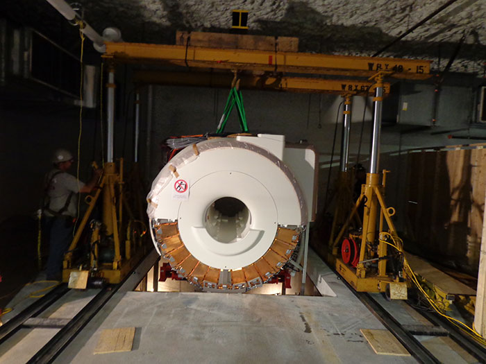 Installation of $9 Million Siemens Biograph MRI / Petscan at Toronto